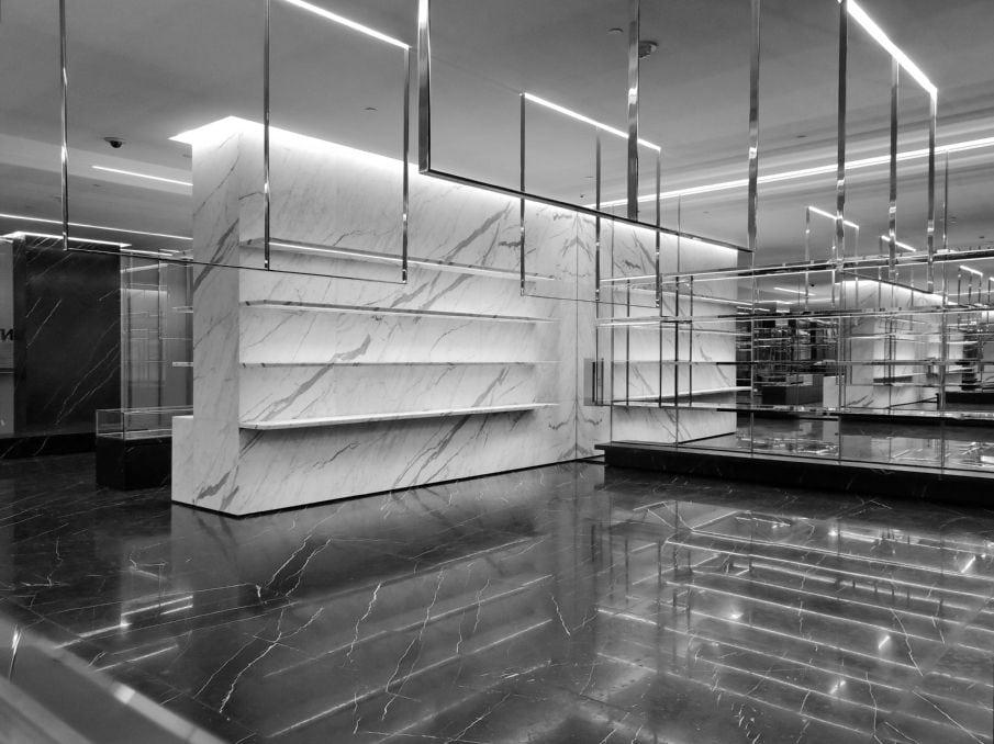 db2ae929eaab82 Saint Laurent - De La Garza Architecture